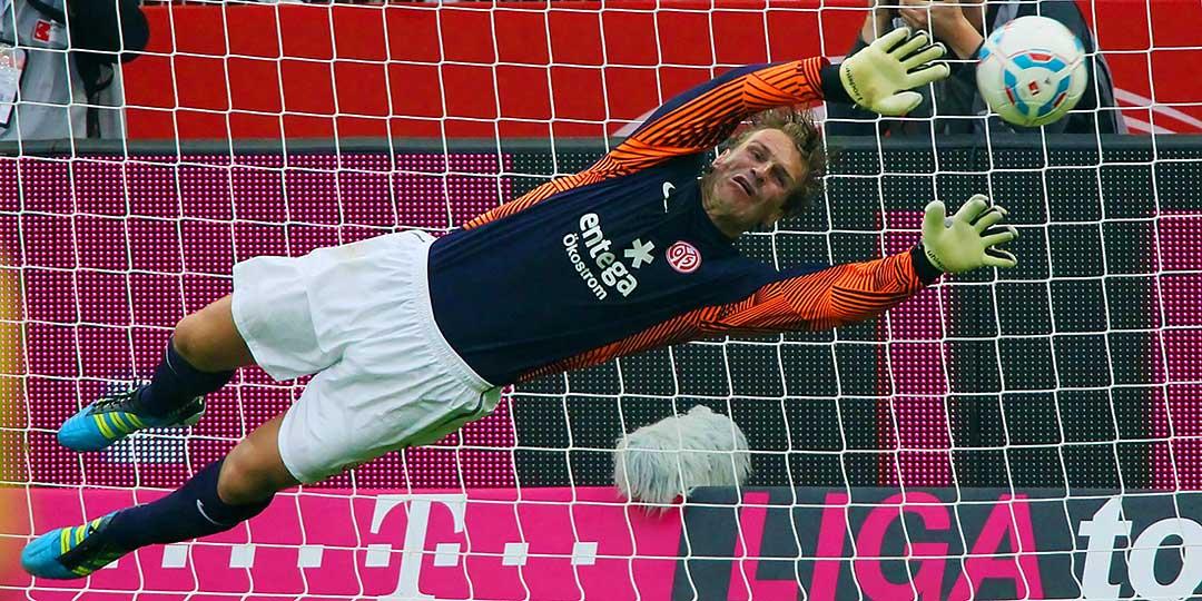 Fussball Bundesliga, Mainz 05, Torwart Christian Wetklo