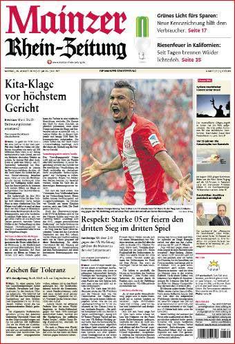 Fussball Bundesliga Mainz 05, Eric Maxim Choupo-Moting jubelt, Rheinzeitung, Foto: Bernd Eßling, Bildjournalist, Fotograf, Mainz