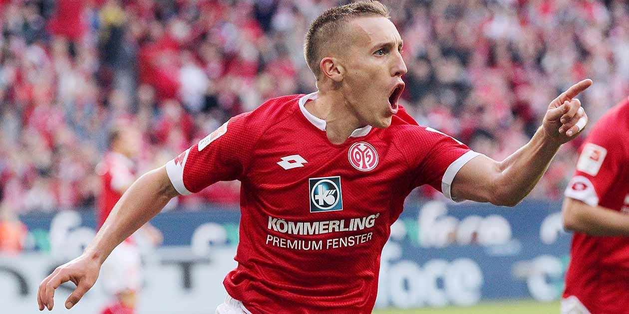 1.FSV Mainz 05 - VfL Wolfsburg Fussball Bundesliga Torjubel nach dem 1:0 für Mainz, Pablo De Blasis