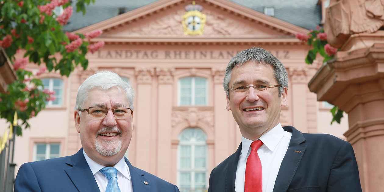 der frühere Landtagspräsident Joachim Mertes und sein Nachfolger Hendrik Hering